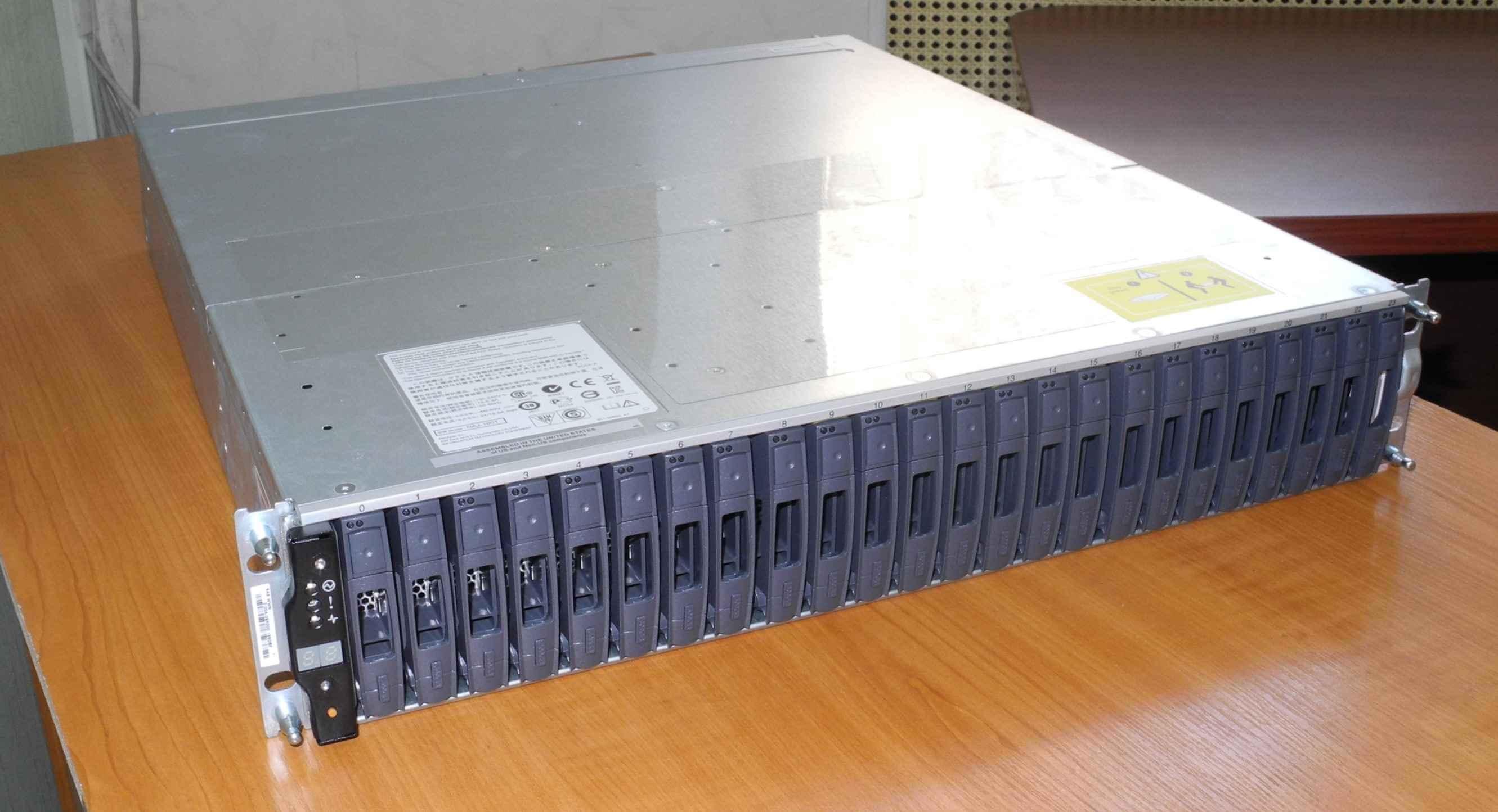 Как выглядит NetApp FAS2240-01