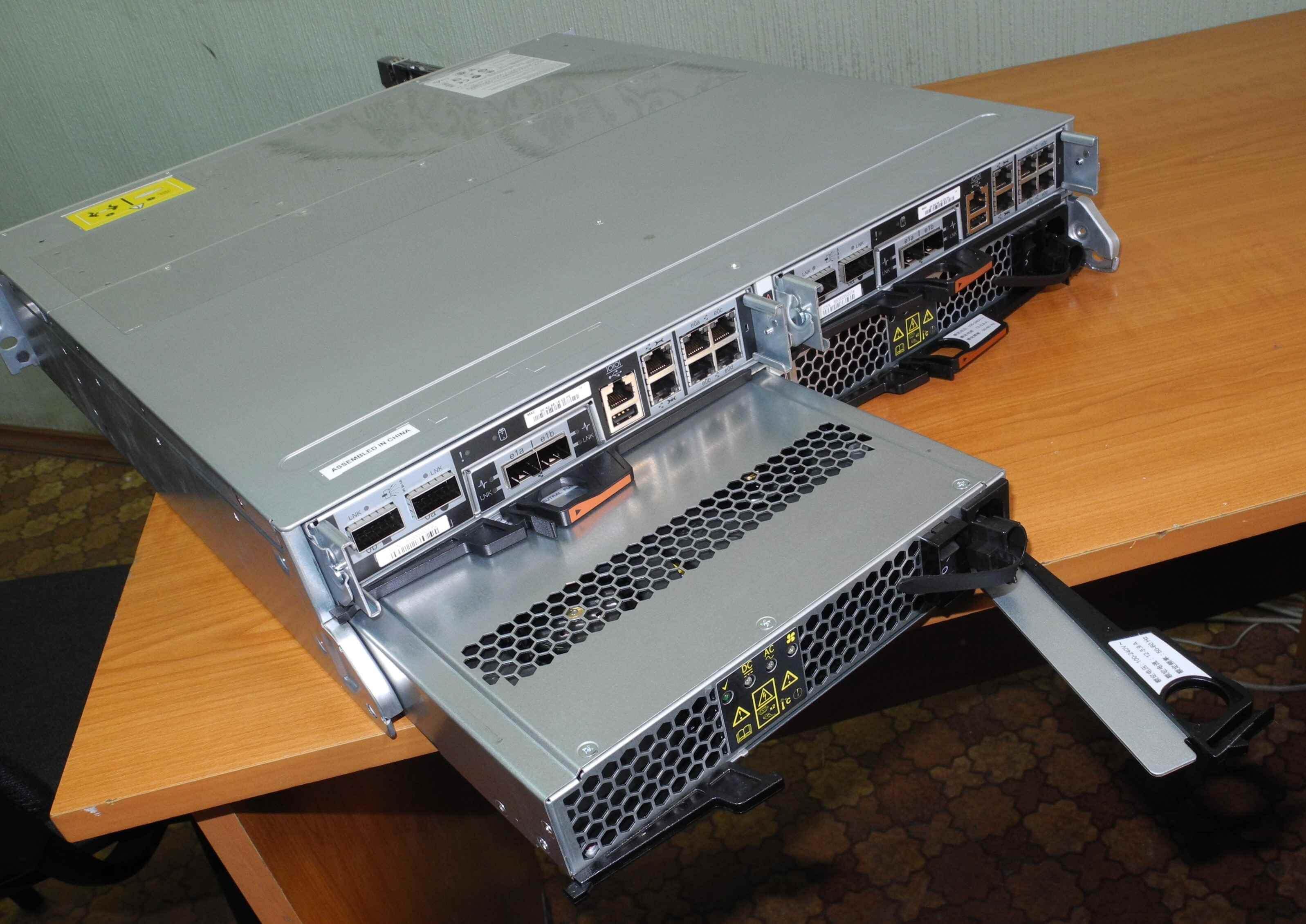 Как выглядит NetApp FAS2240-07